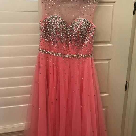 Tony Bowls Dresses & Skirts - Tony Bowls Le Gala pink beaded gown